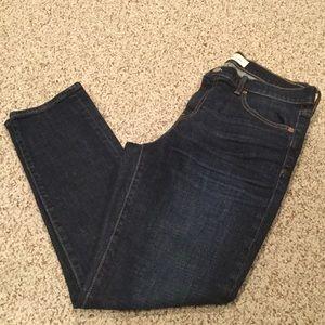 Women's Gap mid rise girlfriend jeans size 29